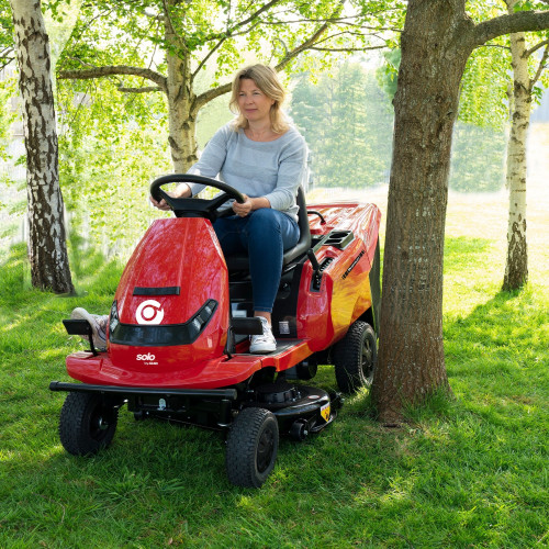 Акумуляторний садовий трактор Solo by AL-KO E-Rider R 85.1 Li (127617)