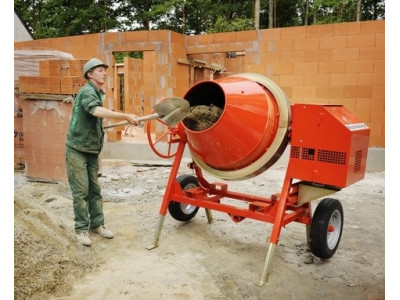 На сколько литров бетона должна быть бетономешалка?